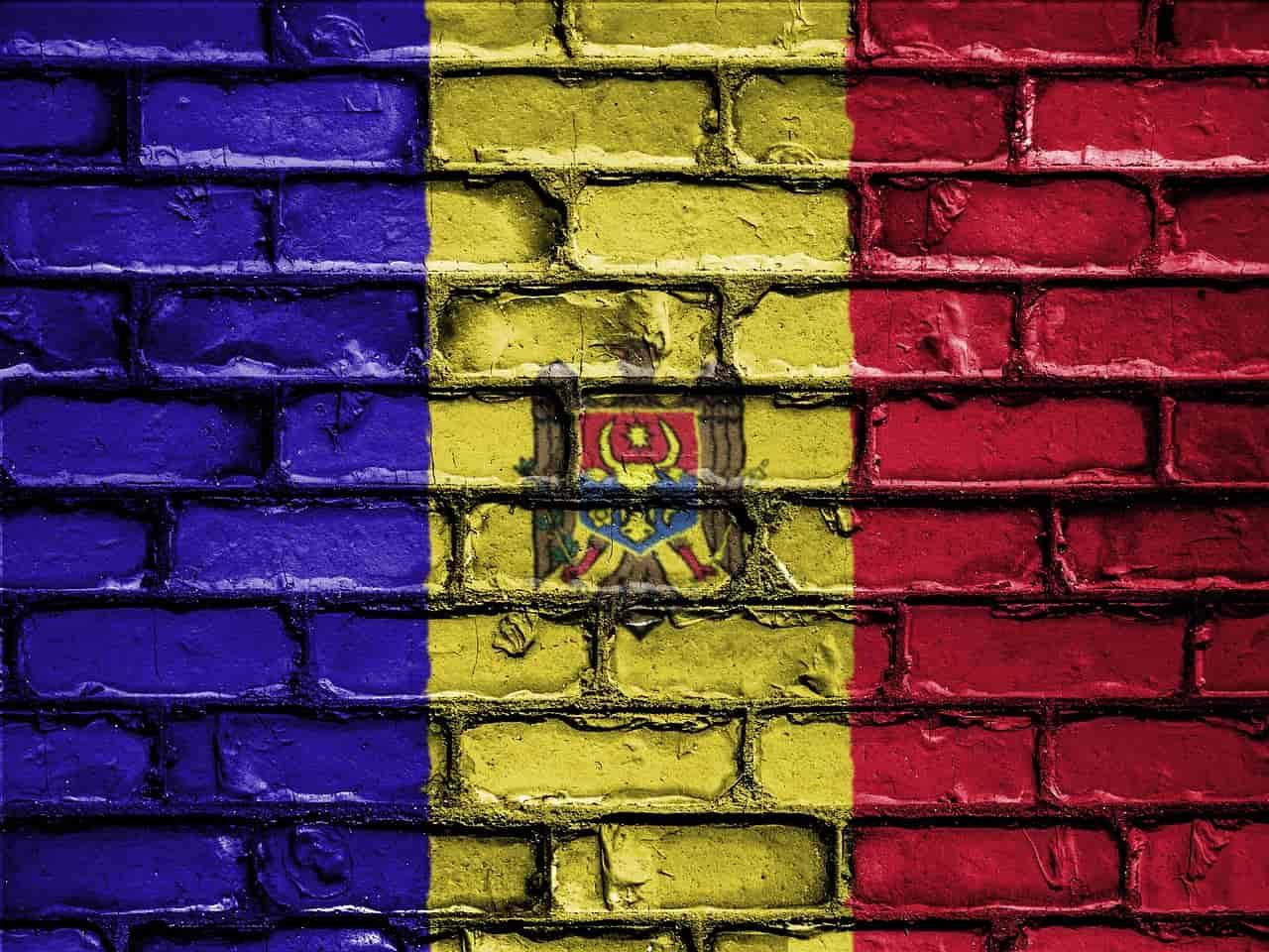 Flaga Mołdawii na murze